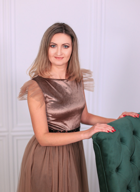 Anna13 easy russian dating