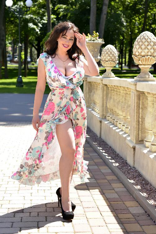 Juliya russian dating tours