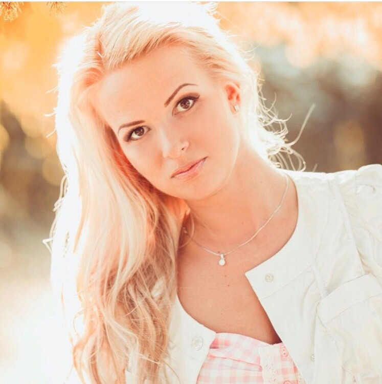 Anna russian roulette dating site